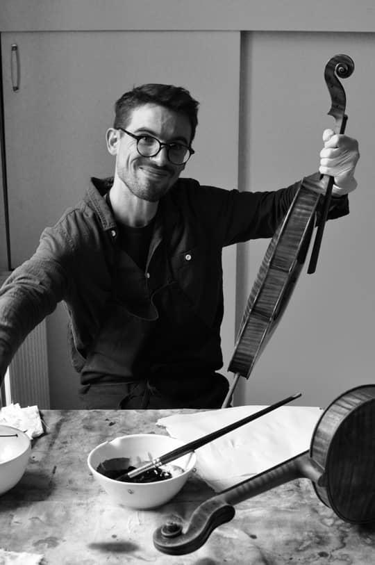 Violin Making Atelier - Patrick Robin France - Roland Belleguic Assistant