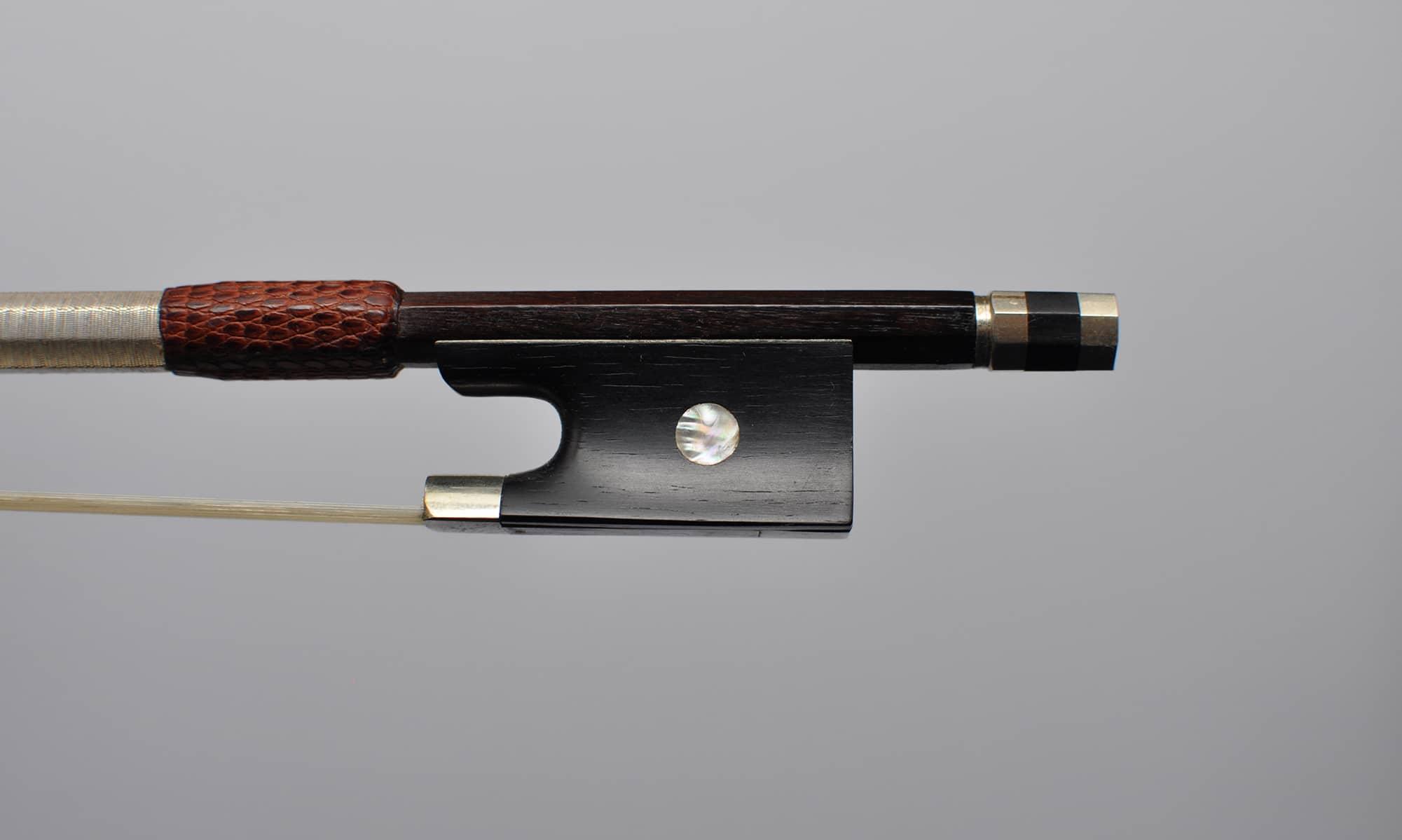 Vente Archet de violon de Joseph Thomassin, vers 1920